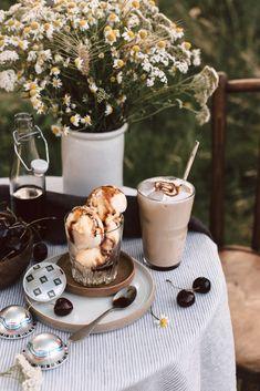 Café glacé au lait & crème glacée vanille et sirop de café