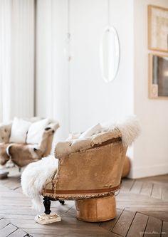 At Eymèle's, French Fashion Designer Eymèle Burgaud's Home I By Garance Doré Decoration Inspiration, Interior Design Inspiration, Shabby, Paris Apartment Interiors, Art Deco Decor, Paris Home, Turbulence Deco, Deco Boheme, Minimalist Apartment