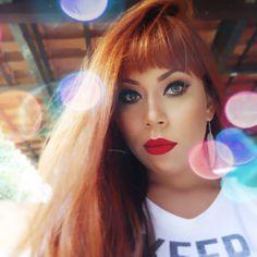 Bom Diaaa Gatas Tem vídeo NOVO lá no Canal  https://youtu.be/QSlSoWSxlzc Link Direto no meu Perfil  #batombruna #batomvermelho #makedodia #pastelgrunge #90s #ruiva #retrostyle #redhead #cabeloruivo #luznatural #brunatavares #bomdia #goodmorning #me #franja #pinterest #delineado #maisvaidosa #florenzalife  #atitudebella #eudora