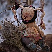 Купить или заказать Ёлка для антикварных кукол и игрушек в интернет-магазине на Ярмарке Мастеров. А ваши девочки готовы к Новому году? Интересно о чем они мечтают )))? Ёлочка для новогоднего настроения))) Материалы: плюш винтажный, опилки древесные, хлопок винтажный, ватное папье маше, джутовая нить, Размер: 34…