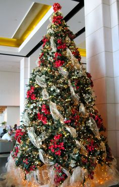 Modern and Classic DIY Chistmas Tree Ribbons Christmas Decorations Christmas without its tree is impossible. The gifts that are wrapped and hung need the same attention. The Christmas tree ribbons provide a special to. Decorations Christmas, Ribbon On Christmas Tree, Beautiful Christmas Trees, Noel Christmas, Christmas Lights, Christmas Ornaments, Christmas Mantles, Office Christmas, Christmas Villages