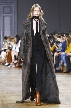 Chloé Ready To Wear Fall Winter 2015 Paris: Can that jumpsuit please be my first Chloe piece? Fashion Week Paris, Runway Fashion, Casual Work Outfits, Work Casual, All About Fashion, Live Fashion, Fashion News, Fashion Show, Fashion 2015