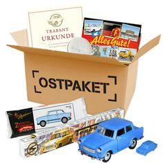 Die DDR-Trabi-Box im Geschenkkarton ist ein schönes Geschenk für Ostalgiker und alle die Osten große geworden sind. Auch Autosammler freuen sich darüber.