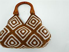 Hey, I found this really awesome Etsy listing at https://www.etsy.com/listing/130583456/crochet-hand-bag-granny-square-fall