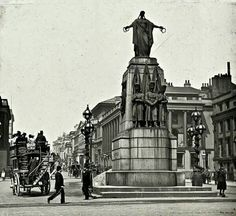 The Guards Crimean War Memorial Waterloo Place 1900