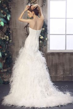 Luxurious Strapless Court Train Feather Zipper Wedding Dress CWZT1301E#Cocomelody#weddingdresses#bridalgown#