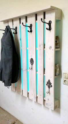 Rustic Inspired Pallet Coat Rack | 101 Pallet Ideas