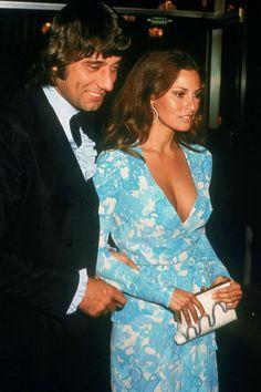 Joe Namath And Raquel Welch 1972 Academy Awards Hollywood Glamour, Old Hollywood, Sara Montiel, Oscar Photo, Joe Namath, Oscar Dresses, Sport, Vogue, Mannequin