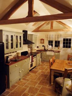 Painted freestanding kitchen cooking apple green