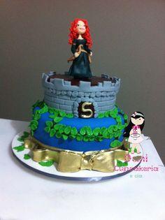 A linda Melinda em um bolo lindo e completamente detalhado