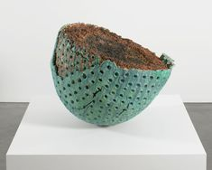 Graham Marks, Untitled, 1991, sandblasted earthenware, fired organic material, and coil construction. LANCE BREWER/©GRAHAM MARKS/COURTESY ANDREA ROSEN GALLERY, NEW YORK