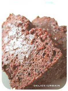 CAKE CARREMENT CHOCOLAT DE PIERRE HERME AVEC SES MORCEAUX DE CHOCOLAT A LA FLEUR DE SEL! LE PARADIS, TOUT