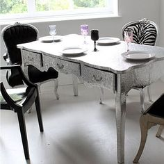 Awesome kitchen table!