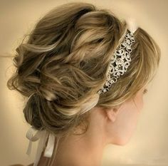 15 Pretty Prom Hairstyles for 2015: Boho, Retro, Edgy Hair Styles - PoPular Haircuts Hairstyle Short, Headband Hairstyles, Easy Hairstyles, Wire Headband, Headband Wrap, Hair Lice, Headbands For Short Hair, Hair Band, Salons