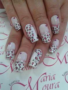 Unha diferente de Vanice Moura. Different nail. Uña diferente. Unghie different.