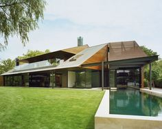 Peninsula House, Lake Austin, Texas. More: http://www.home-designing.com/2011/06/a-peninsula-house-on-lake-austin-texas#