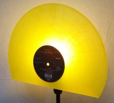 Tischlampen - NEU! Tischlampe aus Schallplatte, Lampe, Vinyl  - ein Designerstück von Aurum bei DaWanda