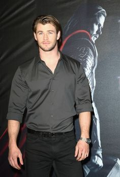 - Chris Hemsworth Toughens Up for 'Thor' | OK! Magazine