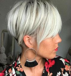 100 Mind-Blowing Short Hairstyles for Fine Hair Short Silver Blonde Undercut Short Hair Cuts For Women, Short Hairstyles For Women, Short Haircuts, Hairstyles 2016, Funky Hairstyles, Formal Hairstyles, Straight Hairstyles, Medium Hairstyles, Wedding Hairstyles