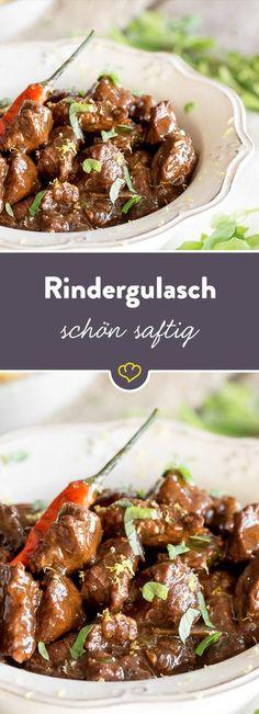 Sonntagsessen par excellence - das zarte Rindergulasch ist nicht ohne Grund eines der beliebtesten Gerichte der Deutschen. So wird es besonders saftig.