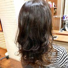 赤味を抑えたCool Brownで根元から微調整で秋色に🍁 インナーカラーもいい感じに色落してるので今回は根元のカラーのみで♪  #インナーカラー #ヘアカラー#秋色#longhair #haircolor #hairstyle #hairarrange #Hairdresser#instagood#instahair #instalike #instapic #instadaily#autumn#autumncolor