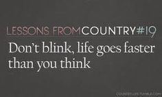 Kenny Chesney - Don& Blink. It& one of my favorite songs of all time. You really can& go wrong with a Kenny Chesney song =) Country Music Quotes, Country Music Lyrics, Country Songs, Country Life, Country Living, Country Girls, Thats The Way, That Way, Dont Blink Kenny Chesney