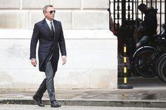 Por qué vale la pena ver Spectre la nueva película de James Bond? Aquí una reseña. Extra: Artículos de lujo de la película que debes ver