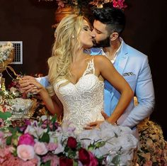 No finalzinho de setembro, teve casamento de famosos! O cantor sertanejo Gusttavo Lima (e você, tchê tchê rere! :p) e sua amada,Andressa Suita, se casaram!Confira as fotos e vídeose a ficha comp…