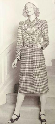 Yves Saint Laurent.S/S 1971 1940s Revival Couture Collection. L'Officiel 1000 modèles, Janvier 1971.