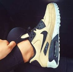 Best Sneakers, Air Max Sneakers, Sneakers Fashion, Sneakers Nike, Air Max 90, Nike Air Max, Jordan Shoes For Kids, Zapatillas Nike Air, Dope Outfits For Guys