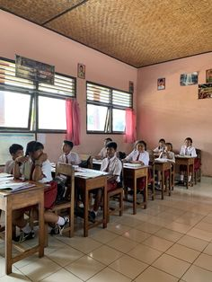 Our ebike local village tour took us to a typical school in Bali. So different from our schools. No IWB, no laptops or iPads, just pencils and paper