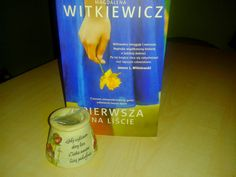 Książka Pani Witkiewicz, to dobrze napisana powieść, z ciekawą fabułą i interesującymi bohaterami. Jednak to nie tylko to...ta książka sprawia, że chcemy coś zmienić w swoim życiu, uczynić je lepszym. Pokazuje sytuację chorych i ich rodzin, ale także przyjaciół i potencjalnych dawców. Autorka skupiła się na transplantacji szpiku, ale podobne dylematy mogą czekać biorców i dawców innych narządów, czy nawet krwi. Myślę, że to ważna książka koło której ciężko przejść obojętnie...