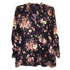 ❄️BOGO FREE Floral Top Very pretty. It is thin and light. Black with a floral design. You can roll up the sleeves. Forever 21 Tops Blouses