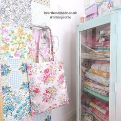 #throwbackthursday 🙌 The old #craftroom with my favourite wallpaper door made with vintage wallpapers and my gorgeous cabinet full of fabric! Etsy pages have the best places to buy everything you see here. Check the link in profile