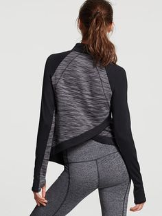 Shop women's workout shirts at Victoria Sport and take on any workout. From tanks to long sleeve workout tops, and cotton tees to fleece pullovers find the sports top that's right for you at Victoria Sport. Sexy Workout Clothes, Athletic Crop Top, Workout Tops For Women, Victoria Secret Sport, Workout Shirts, Long Sleeve Tops, Sportswear, Tees, Gap