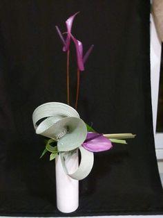 Art Floral, Design Floral, Fleur Design, Modern Flower Arrangements, Flower Designs, Art Designs, Ikebana, Creations, Bouquet