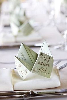 Remember the cootie catcher game you played in grade school? Add fun and nostalgia to your wedding by using a cootie catcher menu! This is what Pierre would like? Wedding Stationery, Wedding Invitations, Wedding Menu Cards, Stationery Design, Wedding Programs, Wedding Reception, Wedding Day, Wedding Parties, Wedding Foods