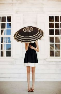 This would be a great look for black and white Summer bridesmaids!