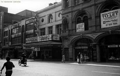 Many readers will remember Manchester in 1976 but you might be surprised at how different the city looked just four decades ago Manchester City Center, Manchester Library, Manchester Street, Manchester New, Abc Cinema, Street Image, Street View, Old Pictures