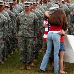 The family members who couldn't wait for their solider to be dismissed — and the soldiers who couldn't hold back smiles: 22 Life-Affirming Photos Of Servicemen And Women Coming Home From Deployment Soldiers Coming Home, Military Love, Military Families, Military Quotes, Military Homecoming, Life Affirming, Army Life, Real Hero, Troops