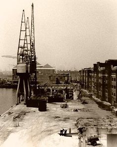 photograph of Building Canary Wharf, Isle of Dogs, 1990 Victorian London, Vintage London, Old London, London City, London Pictures, London Photos, Old Pictures, Old Photos, London Docklands