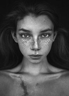 Trendy photography model black and white freckles 51 Ideas Portrait Photos, Portrait Photography, Black And White Portraits, Black And White Photography, Modeling Fotografie, Black And White People, Black Women, Freckles Girl, Unique Faces