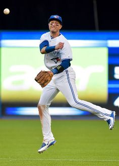 Shortstop Troy Tulowitzki traded to the Toronto Blue Jays on July Awesome ! Rockies Baseball, Sports Baseball, Baseball Players, Baseball Today, Blue Jay Way, Go Blue, Baseball Toronto, Troy Tulowitzki, Hockey