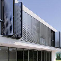 Halle, Cladding Materials, Metal Facade, Pergola, Happy House, Facade Design, Facade Architecture, Modern Buildings, Cool Lighting