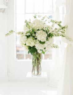 Gorgeous hydrangeas: http://www.stylemepretty.com/2014/09/29/modern-white-loft-wedding-at-studio-450/ | Photography: Lindsay Madden - http://www.lindsaymaddenphotography.com/