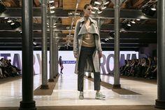 Pokaz nowej kolekcji butów Apia jesień-zima. @ButyApia kolekcji w @StaryBrowar5050 w @CityOfPoznan.#buty #trend #fashion #steet styl