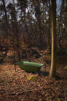 Freestanding enamelled steel bathtub by Bette Bathroom Trends 2018, Interior Exterior, Interior Design, Bathroom Colors, Bath Design, Outdoor Furniture, Outdoor Decor, Bunt, Garden Tools