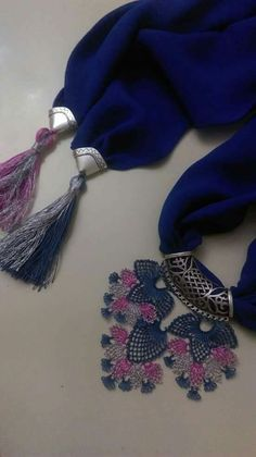 This Pin was discovered by Nur Scarf Jewelry, Needle Lace, Scarf Styles, Hair Ties, Diy Hairstyles, Tassel Necklace, Tatting, Elsa, Diy And Crafts