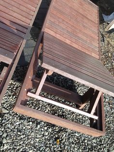 Sistema reclinable de reposera de madera plástica Timberecco