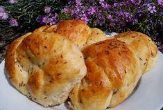 Škvarkové pečivo - housky, šneci, uzly... nejen z remosky Bagel, Baked Potato, Potatoes, Bread, Baking, Ethnic Recipes, Food, Potato, Brot
